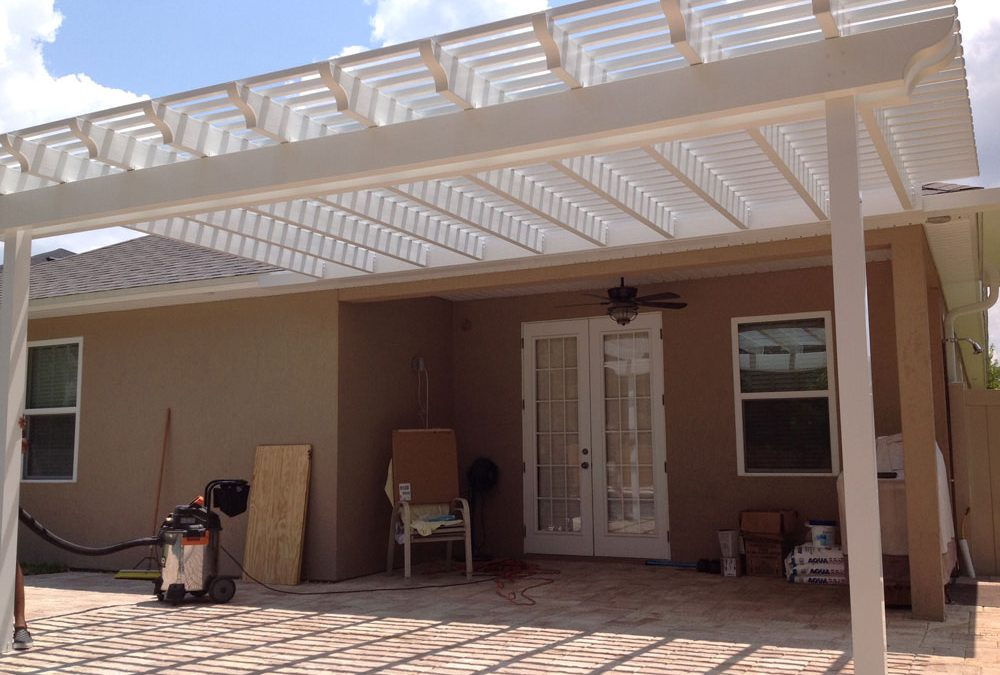 Cost to Build a Pergola – DIY vs. Hiring a Professional