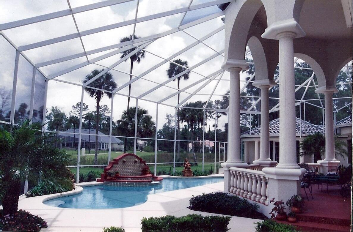 Factors in Determining Cost of a Pool Screen Enclosure